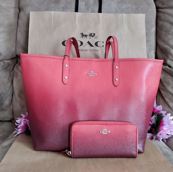 56ee3fbd4d NWT Coach Ombre tote shoppers ONLY